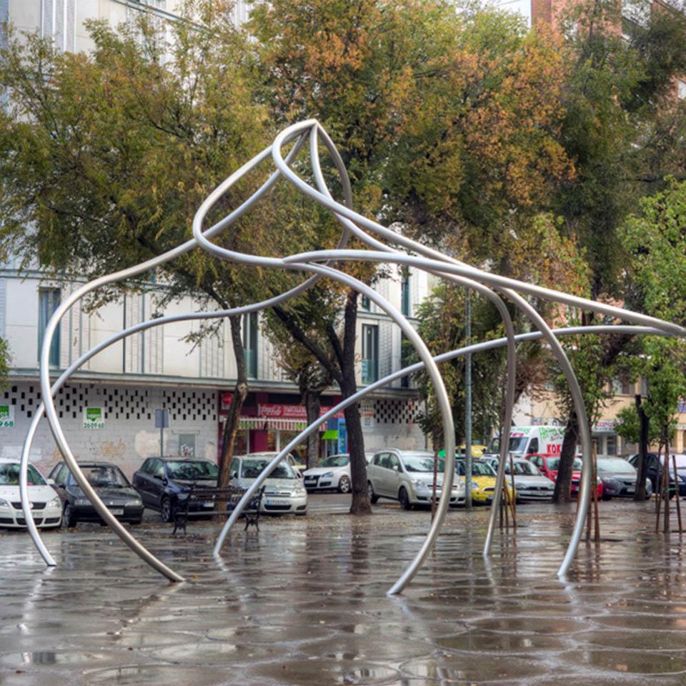 Blanca Muñoz – Ecliptica – Badajoz, 2006 (550x850x800cm)